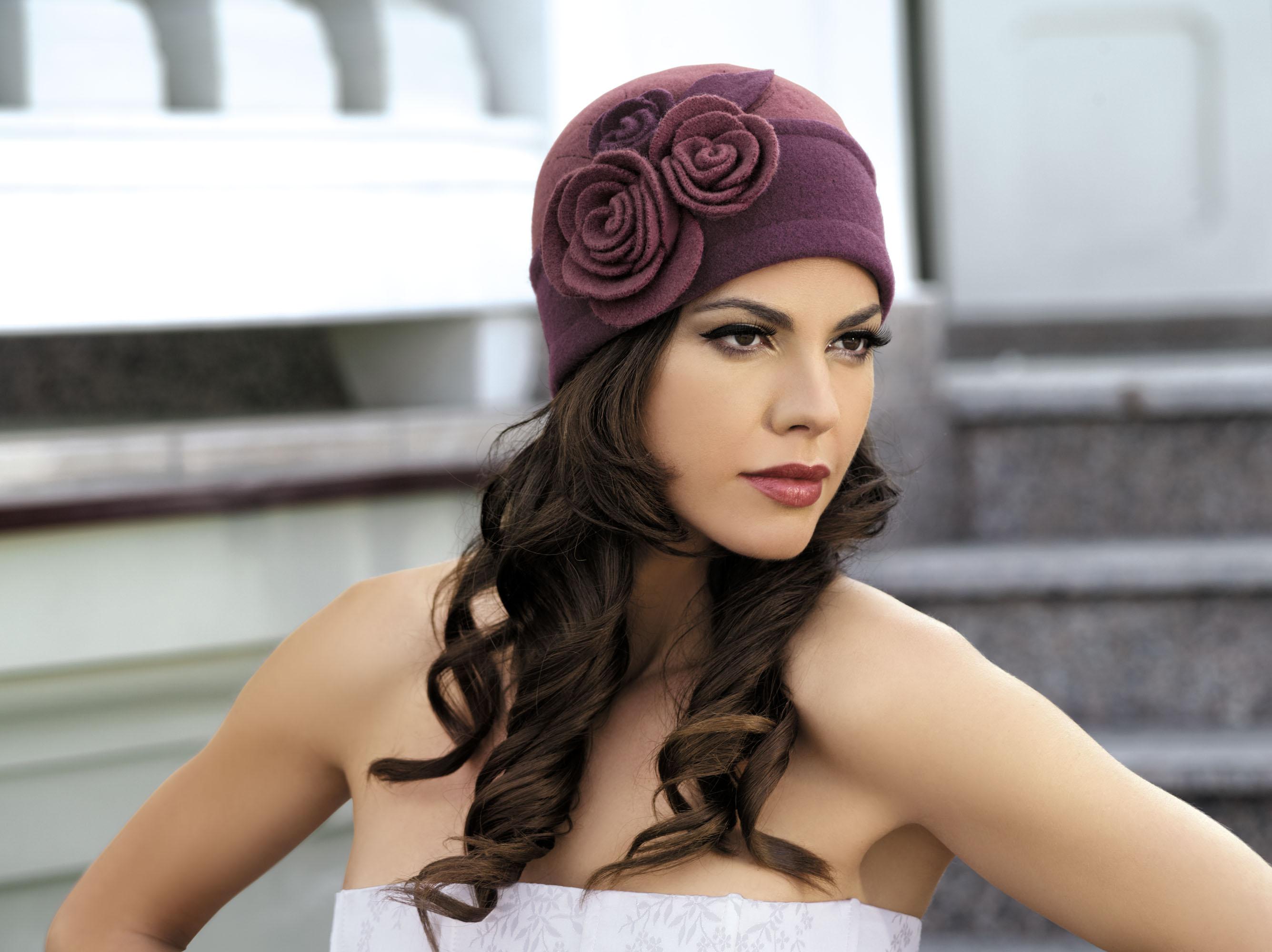 вязаные шляпы для женщин после 50 лет