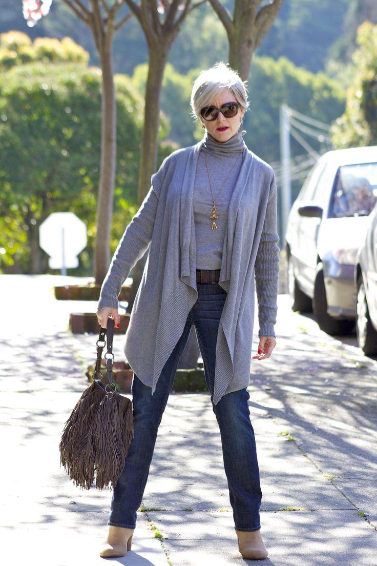 стильный гардероб женщины за 50