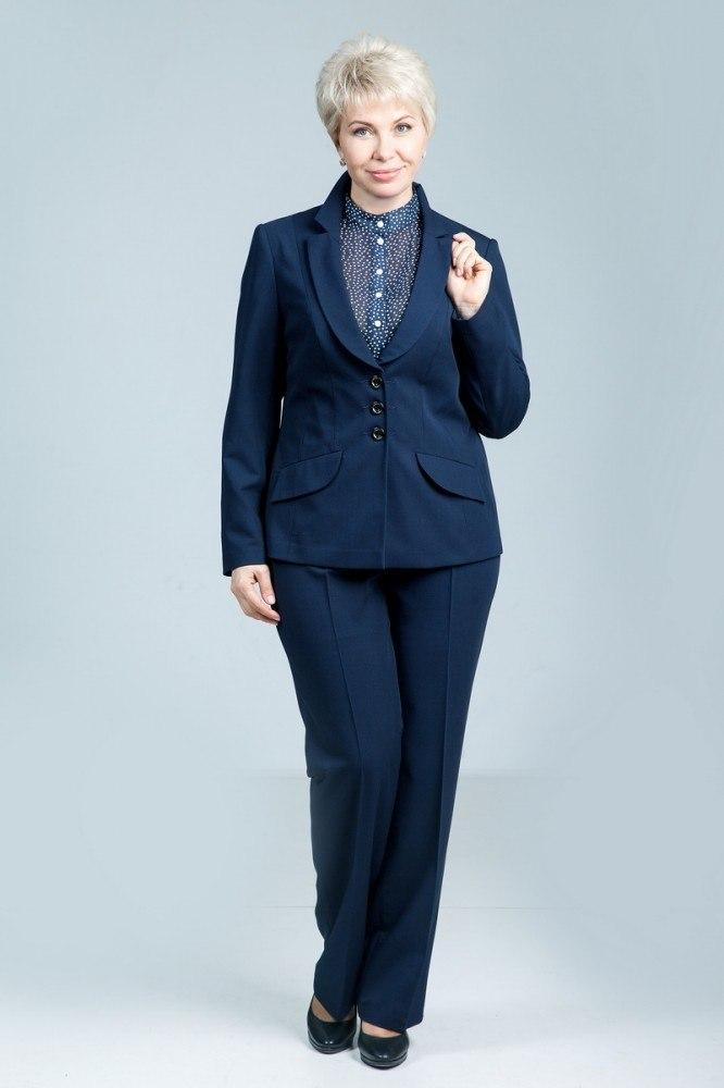брючный костюм для женщины 50 лет