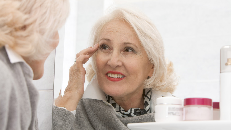 как улучшить цвет лица в 50 лет