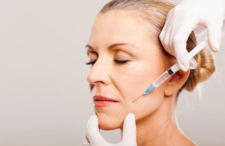 аппаратные процедуры для лица после 50 лет