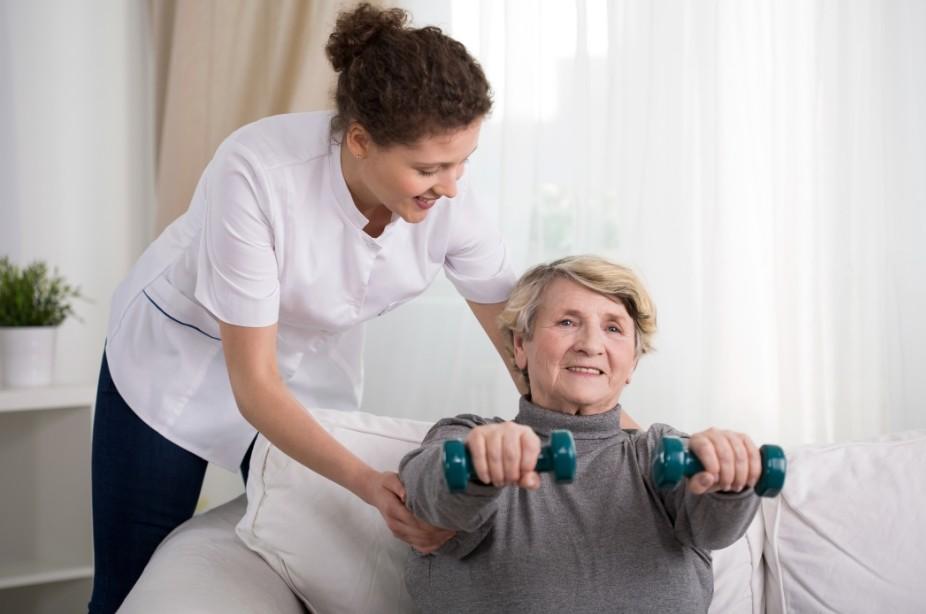 Признаки инсульта у женщин старше 60 лет