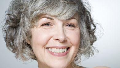 прически для седых волос после 50 лет