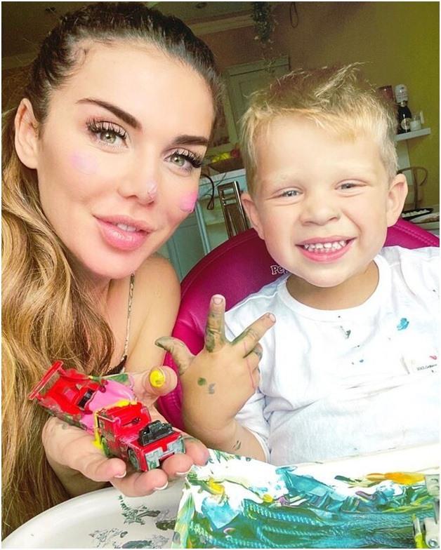 Седокова с сыном