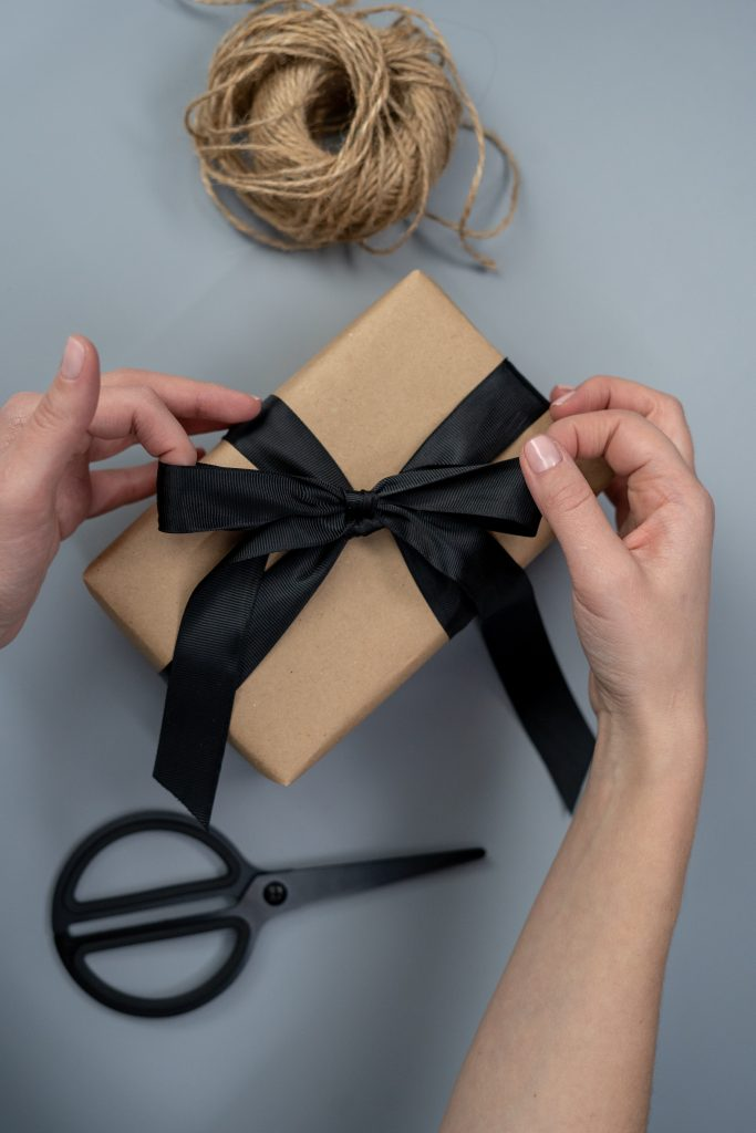 упаковка подарка папе
